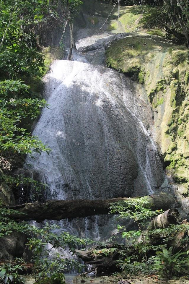 Air Terjun Sripori yang Tersembunyi