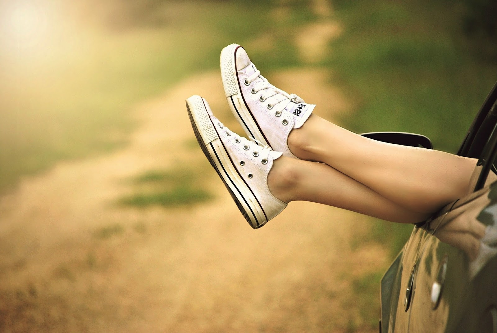 Ini Bahaya Pakai Sepatu Tanpa Kaos Kaki