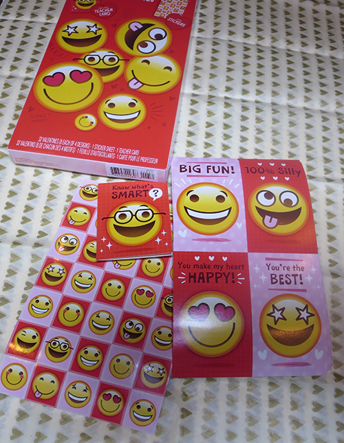 Emjois are popular this year.  My kiddies would love to hand out these cute emojis Valentine's Day Cards. At least they are happy and funny faces so they are great for all ages.