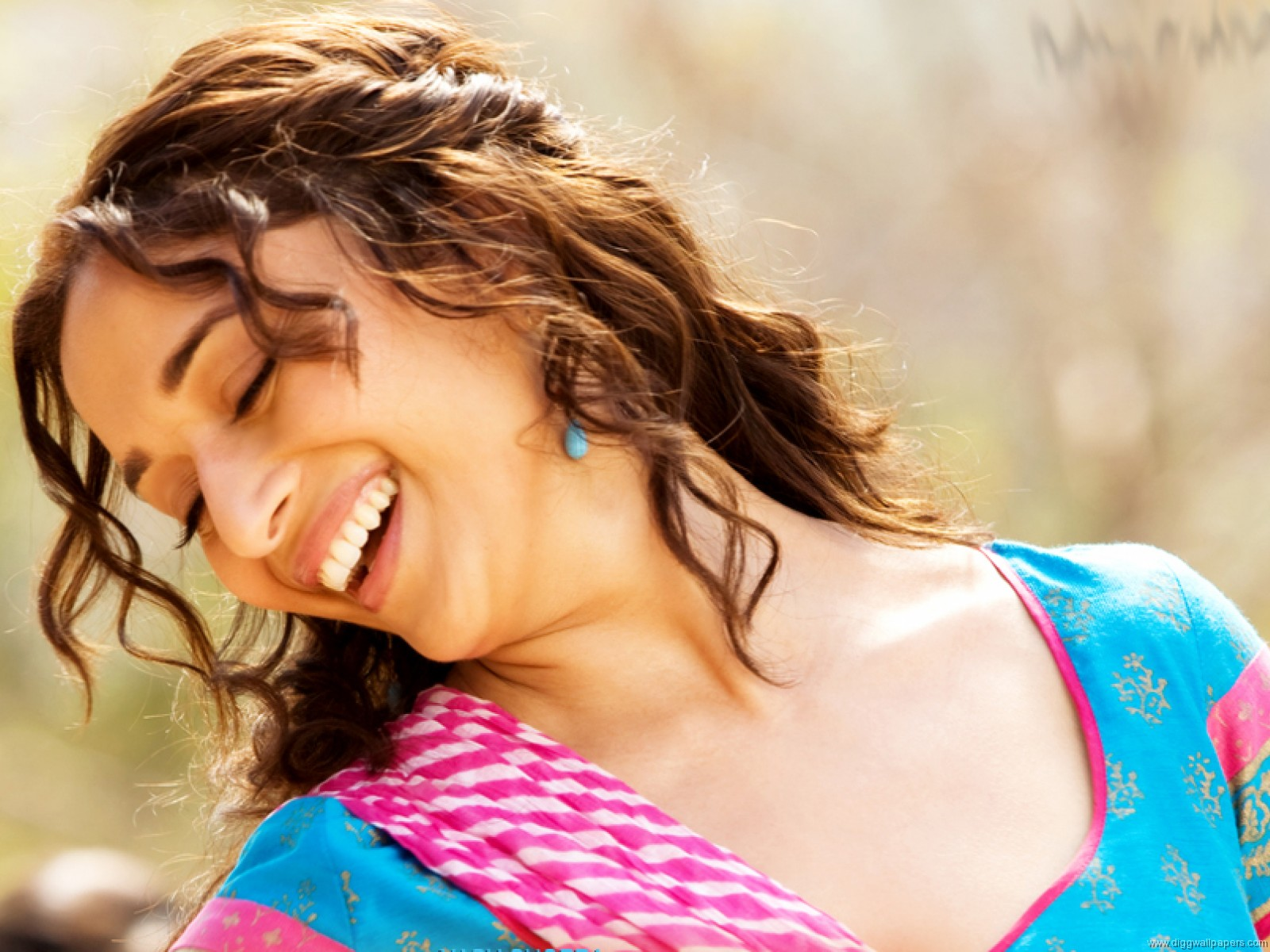 Funny Wallpapers And Videos Madhuri Dixit New Hd Wallpapers-5475