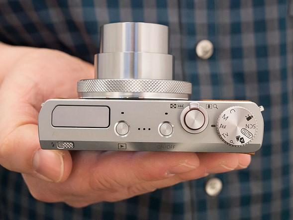 Canon PowerShot G9 X Mark II, вид сверху во включенном состоянии