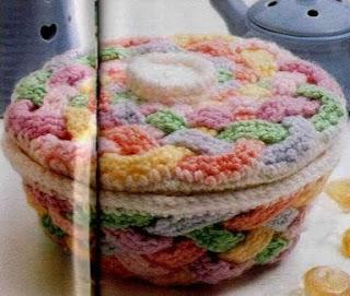 http://amicrochet.blogspot.com.es/2010/02/cajita-de-crochet.html