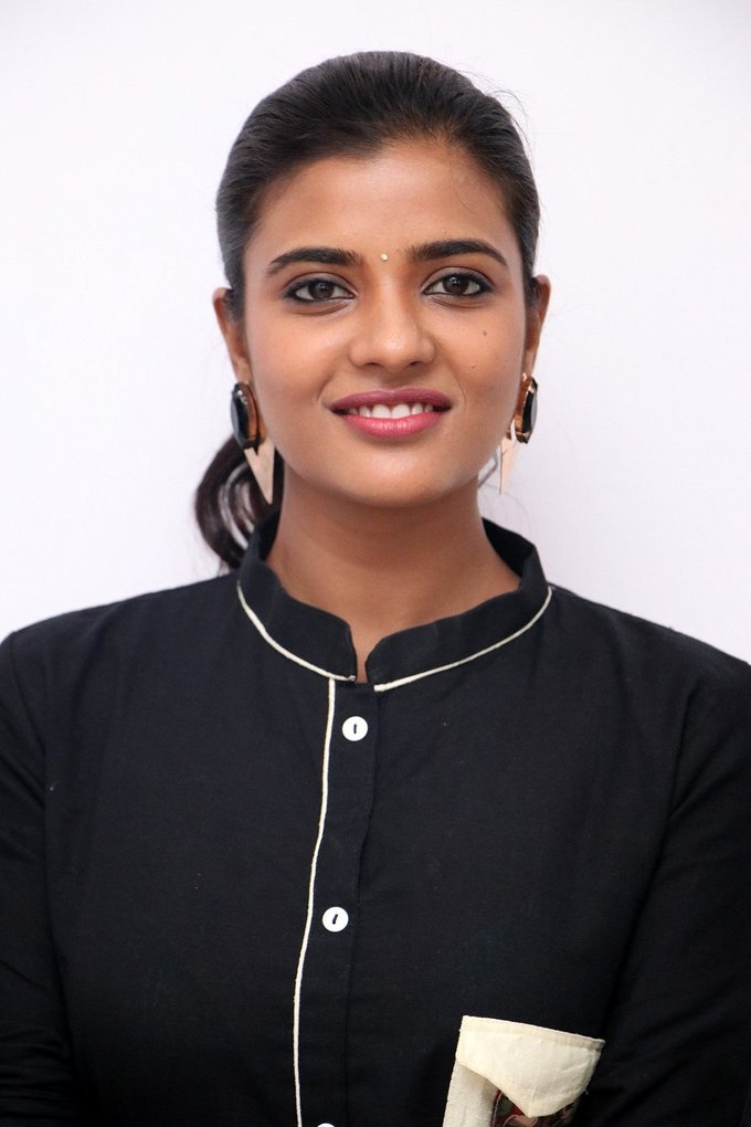 Aishwarya Rajesh at Gemini Ganeshanum Suruli Raajanum Team Interview Stills