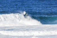 6 Billy Kemper ens Pipe Invitational foto WSL Damien Poullenot