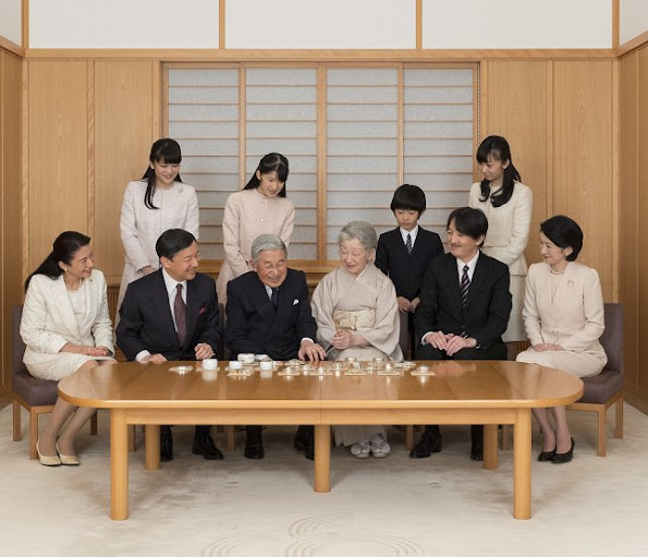 Japan-Royal-Family-3.jpg