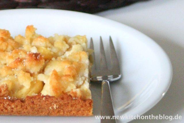 Bester Apfelkuchen mit Marzipanstreuseln und Zimt