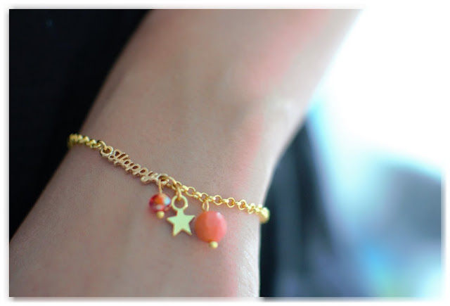 zoom bracelet doré happy porté