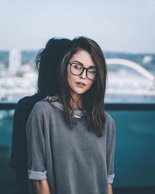 pose con lentes en la calle tumblr