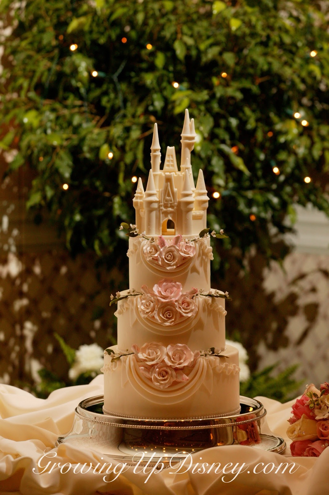 disney princess castle wedding cake growing up disney disney s tale weddings photos 13566