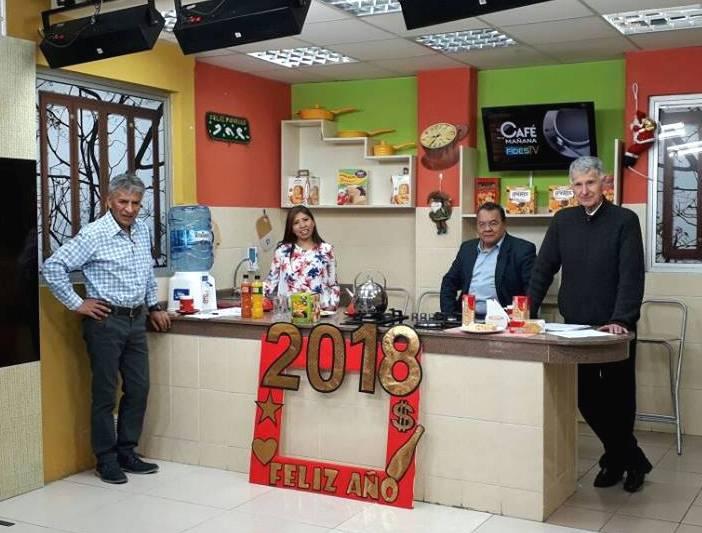 Periodistas en el último programa de El Café de la Mañana  con Eduardo Pérez en set