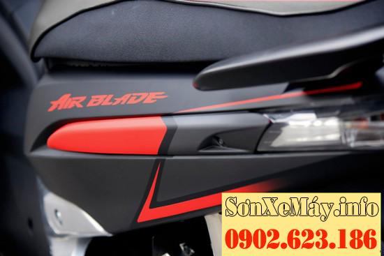 Sơn phối màu xe Airblade màu xám đen nhám chỉ đỏ