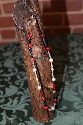 collier de perles avec pierres semi-précieuses