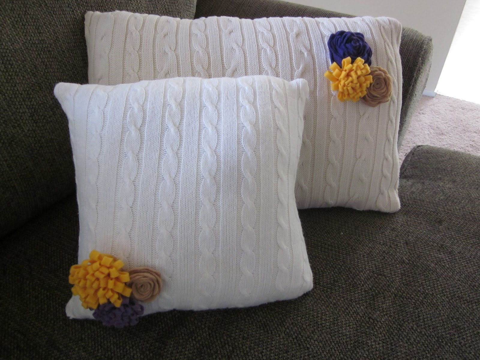 The Thinking Blonde DIY Upcycled sweater be es throw pillow