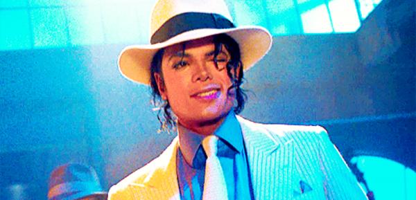 Un sombrero blanco que el cantante Michael Jackson utilizó para el vídeo  oficial de su tema