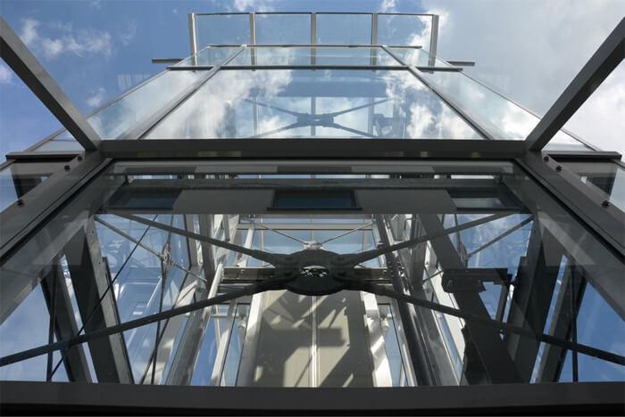 Ascensori esterni con vetrata panoramica