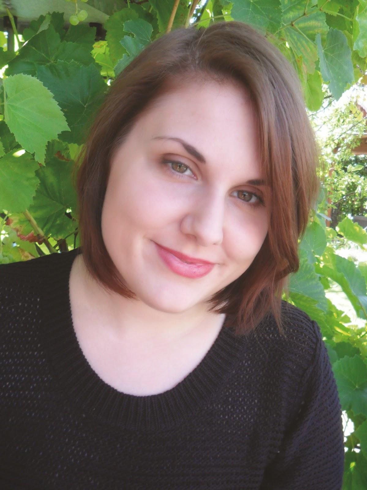http://sharonbakerliest.blogspot.de/2014/10/interview-mit-laura-kneidl-und.html