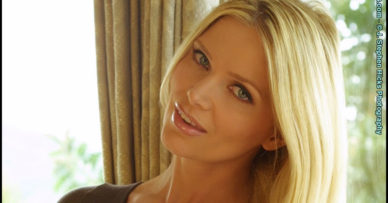 Amber deluca tall female porn stars
