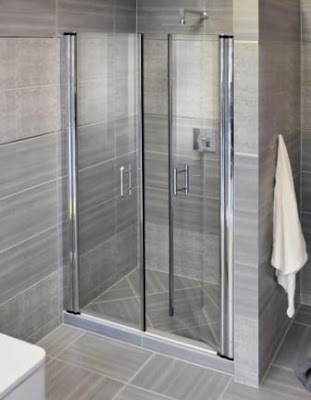Pendulum Swinging Doors for a Shower Cabin
