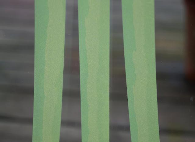 DIY: Unser Masking Tape Osterbaum. An den Zweigen des Osterbaums am Fenster sind sogar Ostereier angeklebt!