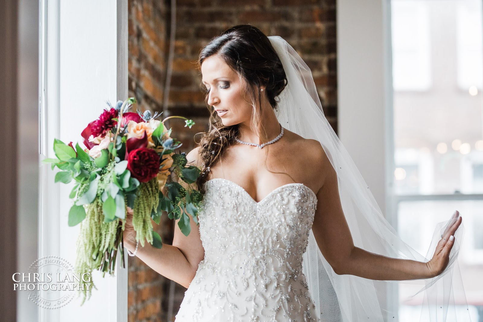 belle vue - wilmington  nc - bride- wedding dress - bridal bouquet - bridal jewelry - wedding ideas -  bridal pictures - wilmington nc wedding photographers