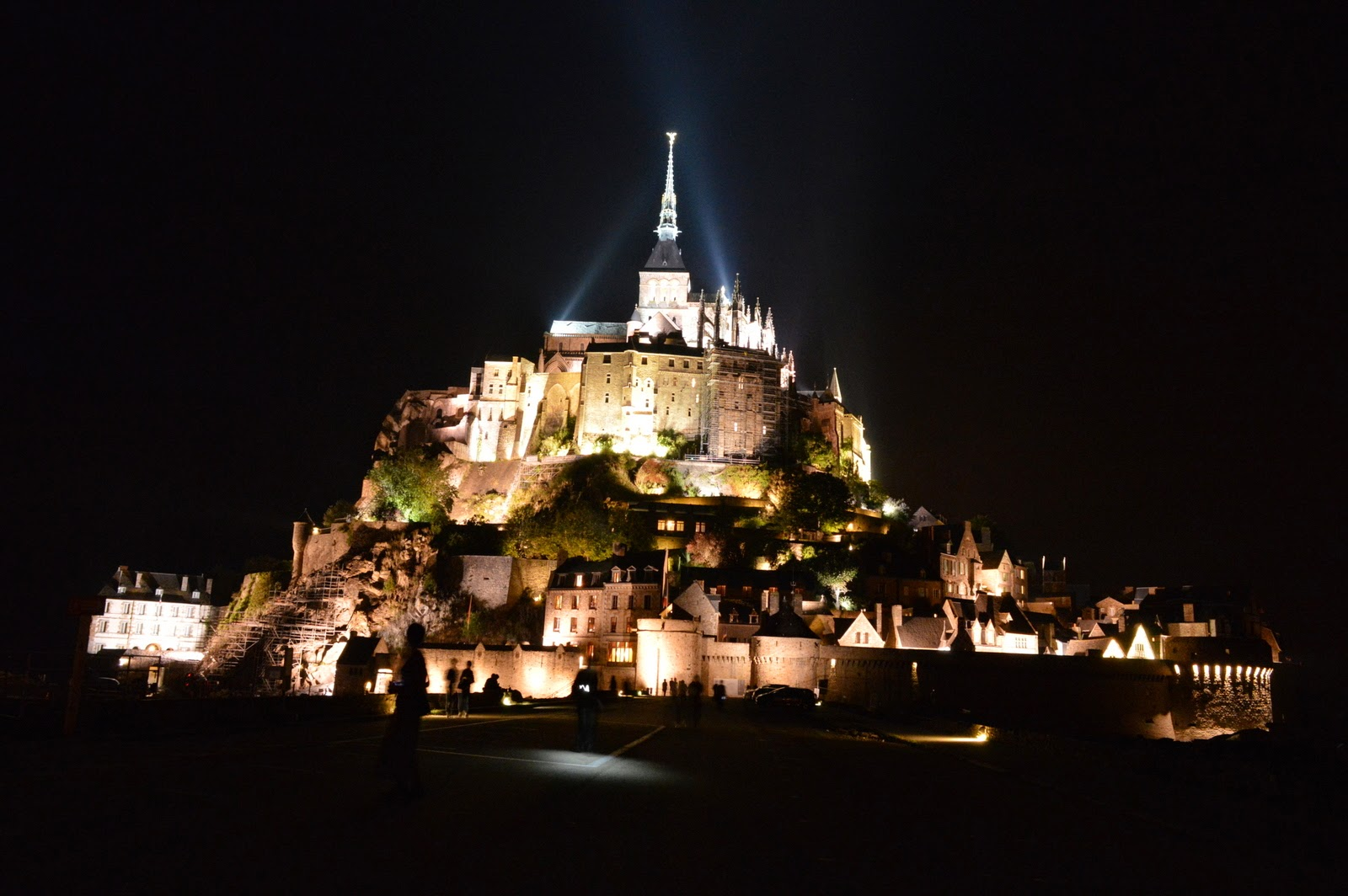 thorny issues a day trip to mont saint michel. Black Bedroom Furniture Sets. Home Design Ideas