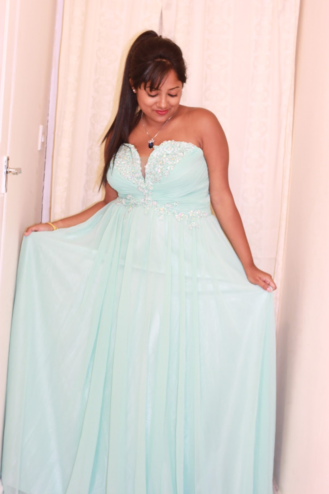 Evening Maxi Dresses For Weddings In India