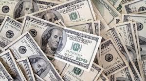 تأثير المراهنات على الدولار يثير التساؤلات