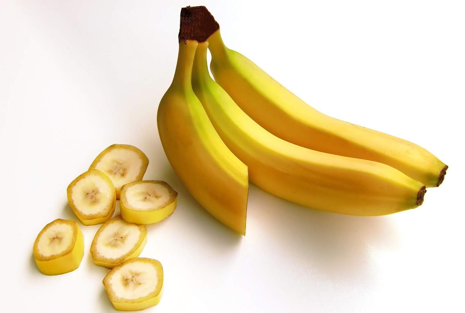 16 केले के आश्चर्यजनक लाभ | 16 Surprising Benefits Of Banana in Hindi