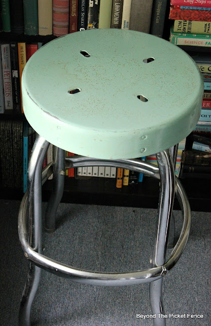 farmhouse, vintage, stool, chrome stool, mineral paint, rust, http://bec4-beyondthepicketfence.blogspot.com/2016/05/vintage-farmhouse-stool.html