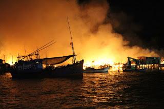 Cháy lớn ở Cồn Nhất Trí Nha Trang