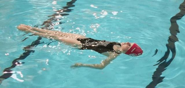 Teknik dasar berenang untuk pemula dan penjelasannya dan gambarnya