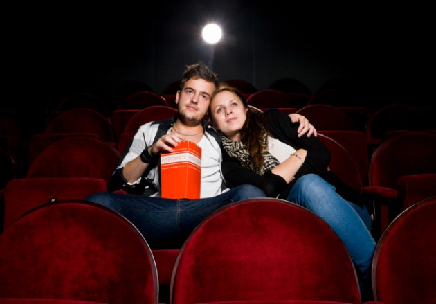 sevgili ile sinemaya gitmek