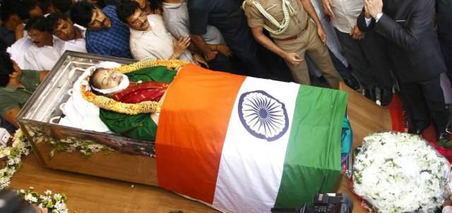 Why Jayalalitha Buried Not Cremated ?