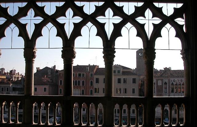 Detalhes da arquitetura do Ca d'oro em Veneza