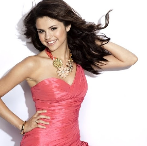World Hot Actress: Selena Gomez hot dress at Vanity Fair