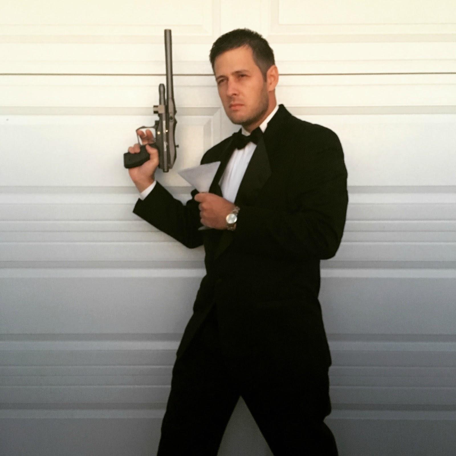 Pepper express - James bond costume ...