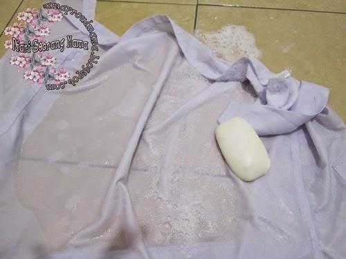 Tips Membasuh Bersih Pakaian Sekolah