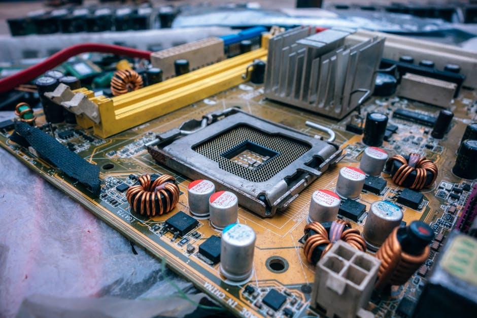 Pengertian Motherboard dan Fungsi Komponen Motherboard