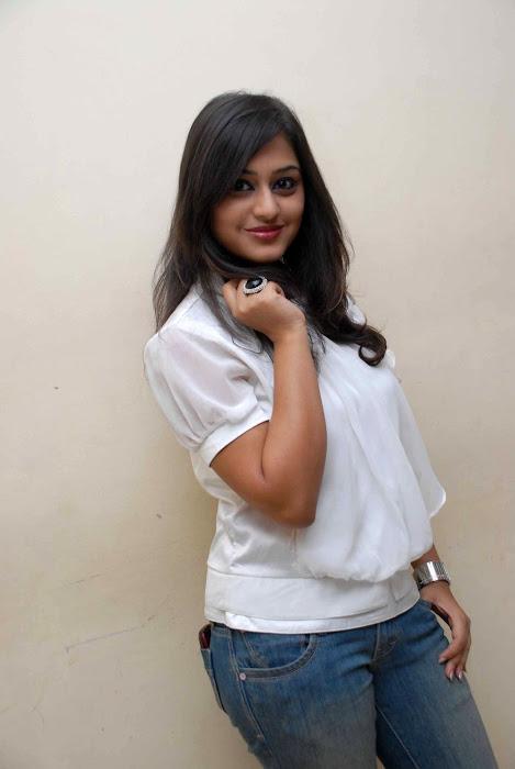 ramya barna actress pics