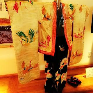 Kimono feminino doado por cantora japonesa, no Memorial da Colônia Japonesa, em Ivoti