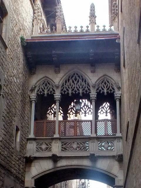 El arco más famoso de Barcelona barrio Gótico