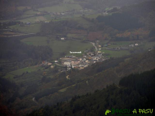 Vista de Taramundi desde la Sierra de Ouroso