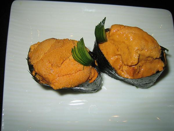 101 เมนูซูชิ ข้าวปั้นซูชิหน้าไข่หอยเม่น, อุนิ (Uni)