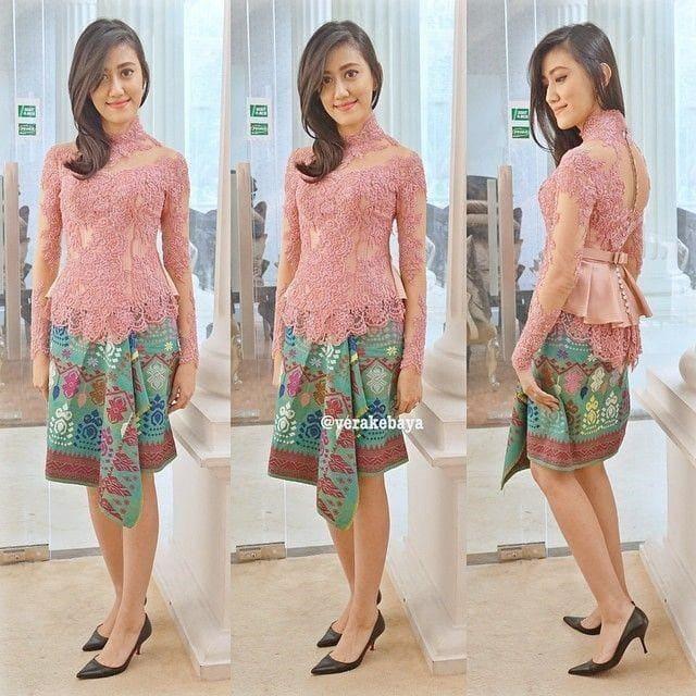 Pink merona dengan kain batik toska