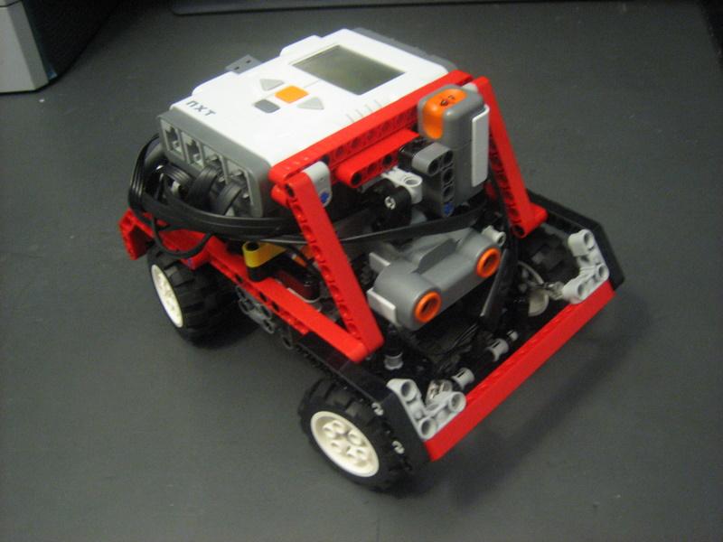 legos and robots compact four wheel drive car. Black Bedroom Furniture Sets. Home Design Ideas