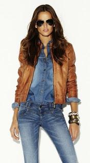 Look ganga total - calças e camisa com blusão camel