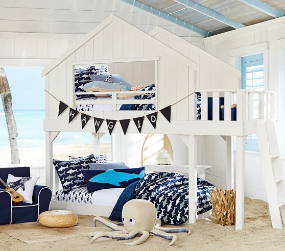 Nautical kidsroom with nautical decoration