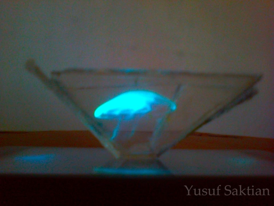 Bikin Hologram Pake Smartphone