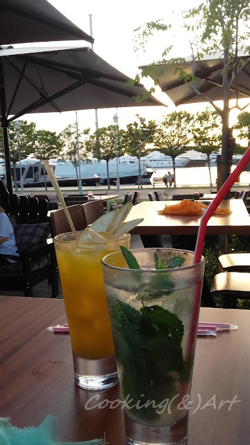 Καλοκαιρινά cocktails στο TGI Fridays στη Μαρίνα Φλοίσβου !!