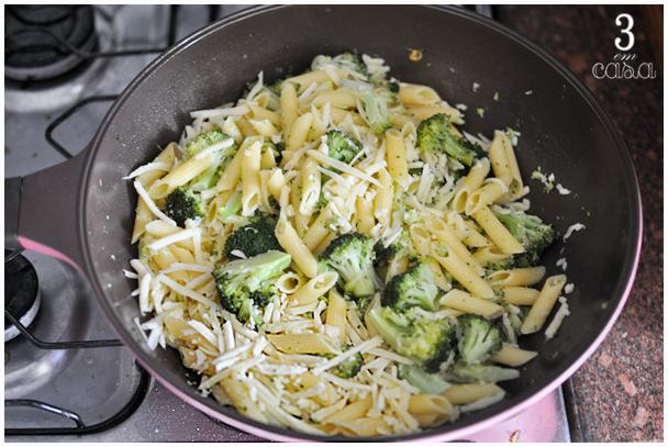 receita de macarrão com brócolis